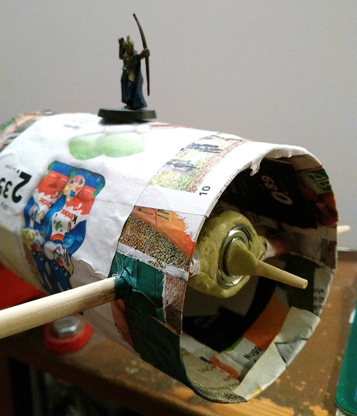stop motion cylindre rotating city papier mache